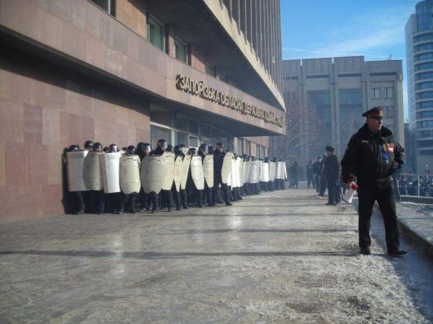 Міліція розігнала Євромайдан у Запоріжжі / zp.vgorode.ua