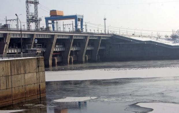 На фото - ГЭС Киевского водохранилища