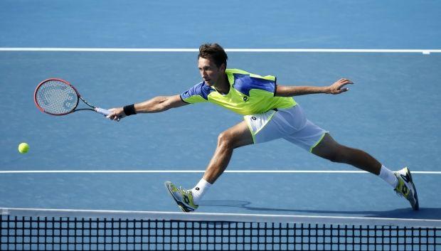 Сергей Стаховский продолжит выступления на турнире в Ньюпорте только в парном разряде / Reuters
