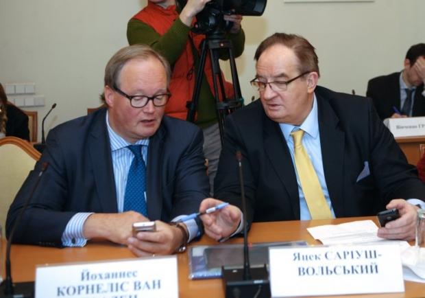Jacek Saryusz-Wolski (right) believes Yanukovych does not want mutual understanding