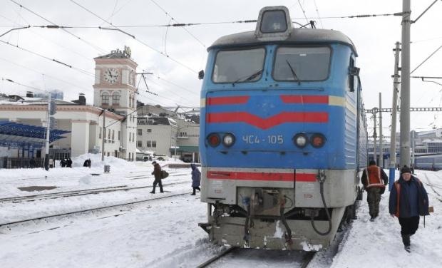 Пасажирський поїзд «Харків - Ворожба» збив маршрутний мікроавтобус
