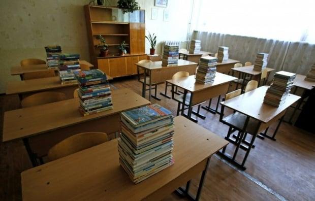 Школи призупиняють заняття