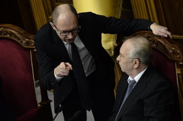 Yatsenyuk asks Rybak to invite President to parliament