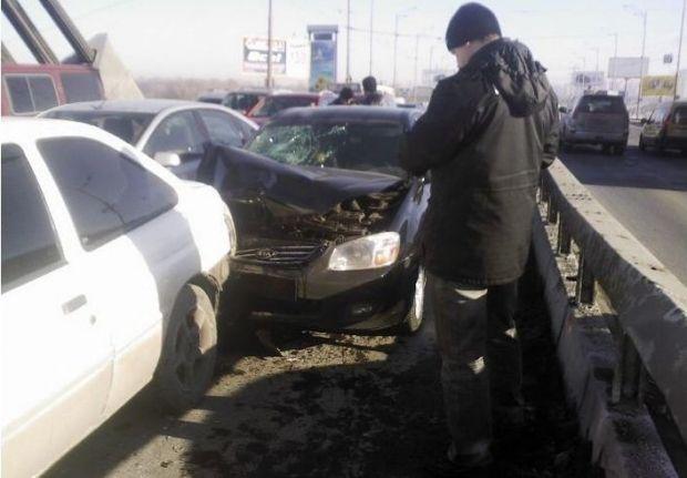 На Московском мосту столкнулись 5 машин / magnolia-tv.com