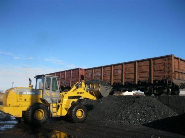 Объем грузоперевозок на экспорт благодаря увеличению перевозок каменного угля, нефти и нефтепродуктов / УЗ
