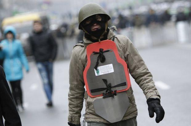Глава Киевской ОГА заявил, что не допустит создания отрядов самообороны в регионе / REUTERS