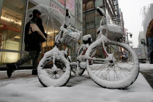 Япония снигопад / REUTERS