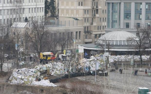 На Майдане утверждают, что за баррикады никто не выходил