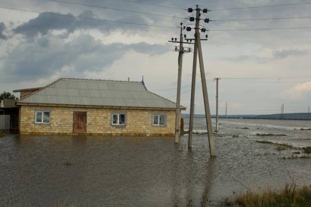 В области ливни затопили 751 жилой дом / фото УНИАН