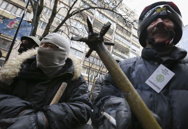 Самооборона допомогла Пилипишину дістатися до ВР / REUTERS