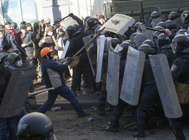 На вулиці Шовковичній знов сталися масові сутички / Reuters