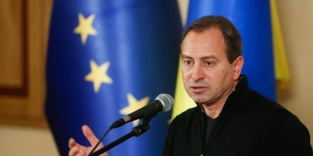 Томенко заявяє про фактичні ознаки введення надзвичайного стану в Україні