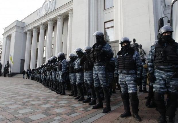 На Востоке и Юге Украины бывшие сотрудники расформированного спецподразделения