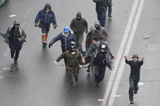 Активісти почали наступ, є поранені / REUTERS