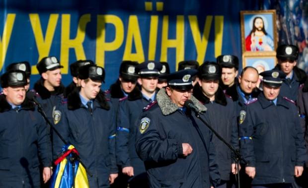 Львовская милиция заявила, что даст отпор, если в сторону народа будут стрелять