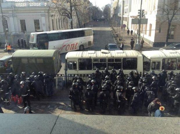 Командиры Беркута и ВВ сами решили уйти / ТСН