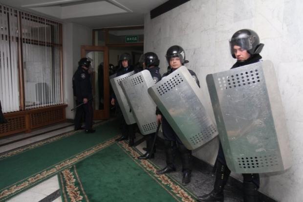 Здание Рады Крыма захвачено