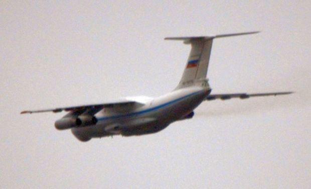 Російський ИЛ-76 йде на посадку, фото УП