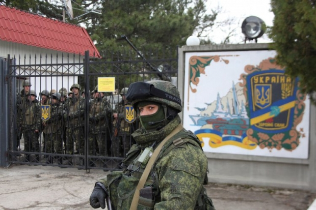 Невідомі штурмували військову частину ВВ МВС у Сімферополі