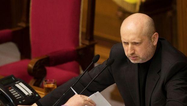 Турчинов: Только ВР может принимать решение о введении войск на территорию Украины / REUTERS
