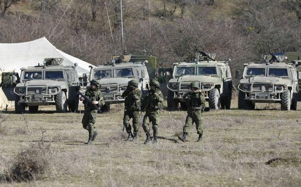 Росія стягує війська до кордону з Україною / REUTERS