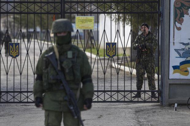Командованию воинской части в Евпатории передали ультиматум / REUTERS