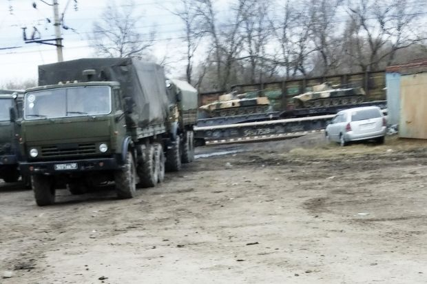 РФ перевозить танки потягом / REUTERS