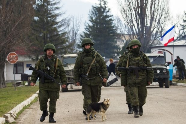 СНБО рассекретил стенограмму заседания во время аннексии Крыма: предупреждение о войсках РФ и большом арсенале техники