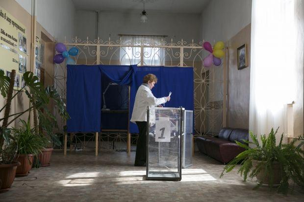 У Криму почали роботу всі 1205 виборчих дільниць / REUTERS