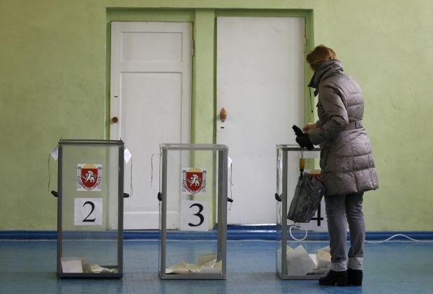 Серед спостерігачів у Криму бачили відвертих фашистів / REUTERS