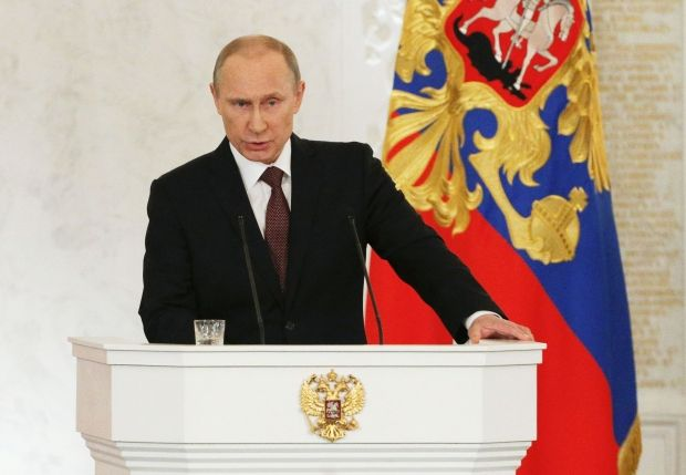 Путин согласился принять Крым и Севастополь в состав России / Reuters