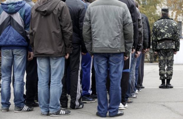 Осенью в ряды армии планируют призвать 11 тысяч украинцев