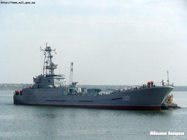 "Majority of crew of ""Olshanskyi"" ship yield to Russians, rest of crew wait for storm / mil.gov.ua"
