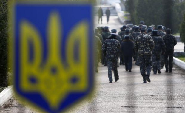 Из Крыма продолжают прибывать военные / REUTERS