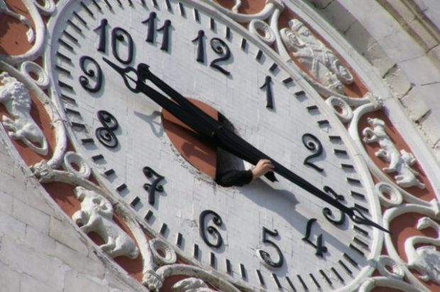 часы симферополь время / Дмитрий Шейка