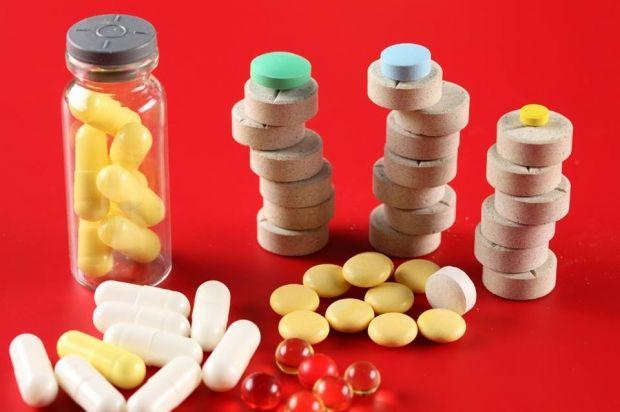 Новая процедура закупки лекарств существенно экономит бюджетные средства - заместитель министра здравоохранения  Киев. 4 февраля. УНИАН. Благодаря новой процедуре закупки лекарств через международные организации в прошлом году только на лекарствах от туберкулеза удалось сэкономить треть средств по сравнению с 2014 годом