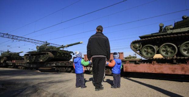 Крым, российские танки / REUTERS