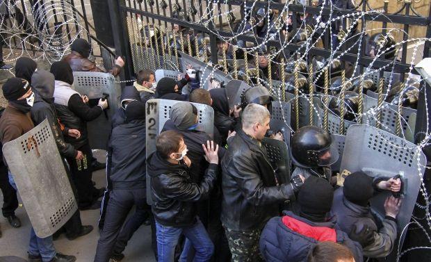 На Востоке Украины продолжаются сепаратистские провокации / REUTERS