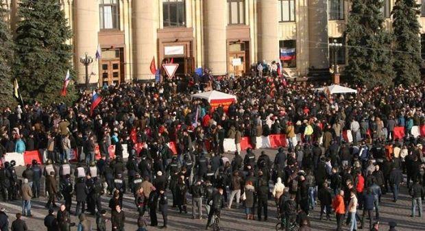 Харьковскую ОГА освободили отсепаратистов / Инна Петрикова / facebook.com
