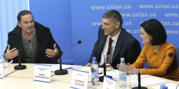 Олег Михайлюта (слева)