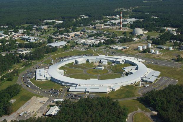 Ученым, сотрудничающим с Брукхейвенской национальной лабораторией, прислали письмо