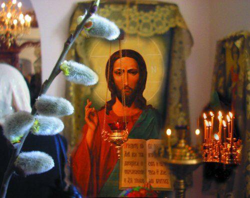 Веточка вербы в церкви в Путивле (Сумская обл.). Фото УНИАН.