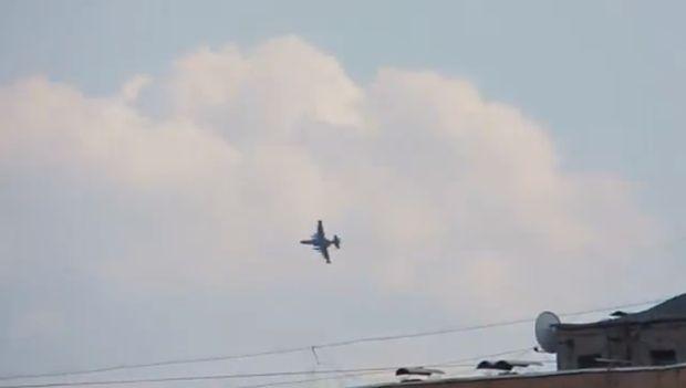 Штурмовик Су-25 над Краматорськом