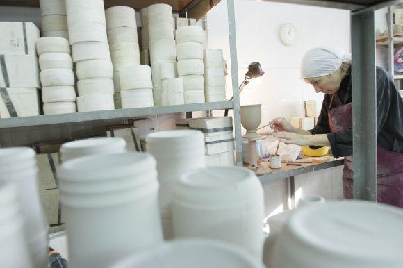 """Всю керамику в Лавре делают вручную. Фото: А. Бойко, """"Вести"""""""