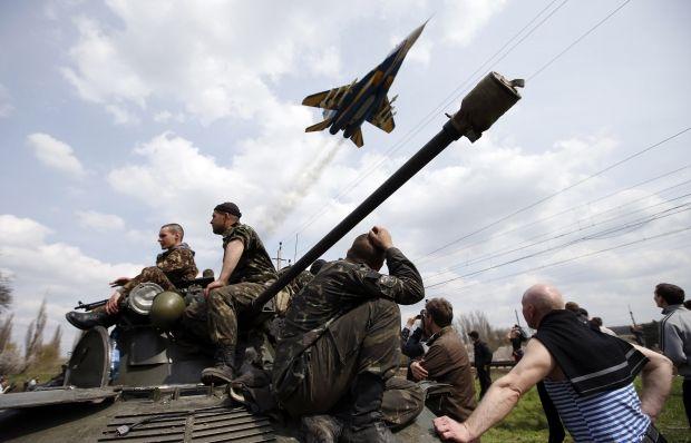 Силовики продолжают освобождать Донбасс от путинских террористов / REUTERS