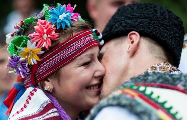 Наибольший разрыв между мужчинами и женщинами наблюдался в возрасте 50-70 лет / Фото: УНИАН