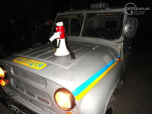 Міліція та місцеві мешканці затримали хуліганів / Фото УНИАН