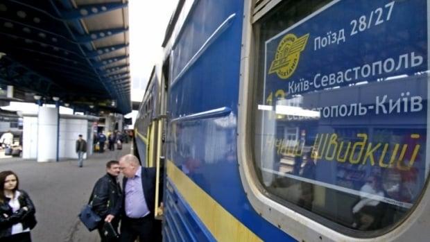 Самые популярные поезда из материковой части Украины в АР Крым будут сохранены