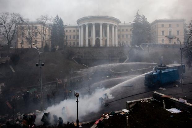 Суд отменил расшиерние спецсредств, которые можно использовать против митингующих / фото УНИАН
