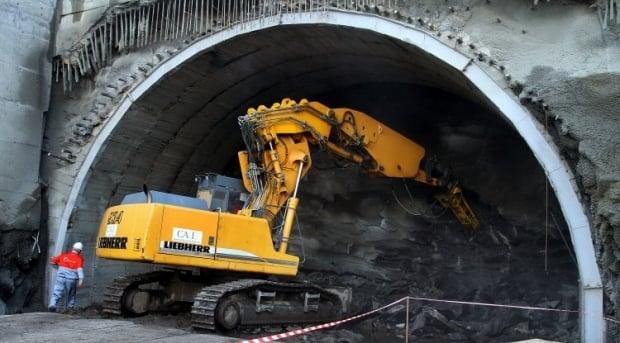 Строительство Бескидского тоннеля планируют завершить в первом квартале 2017 года